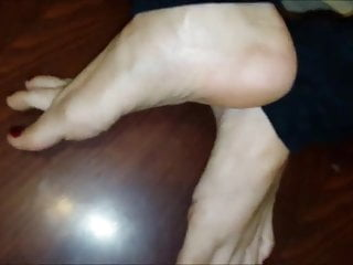 Nena moves her sexy feet (part 2)
