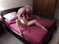 Hard Sex Makes 69 Loving Milf Squirt !