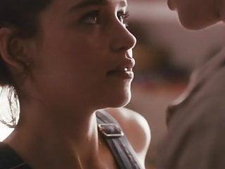 Emilia Clarke - Spike Island