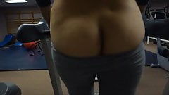 asin girl flashing ass on treadmill
