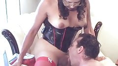 Hot shemale fucking a guy and pleases herself