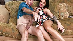 Aria Rose Gives Blowjob to Grandpa