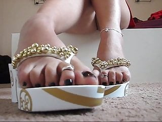 Flops Feet And Flip Amazing Sexy u31cKFJlT