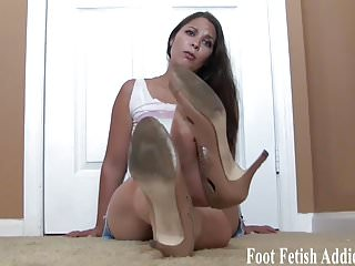 I dont blame you for staring at my sexy feet
