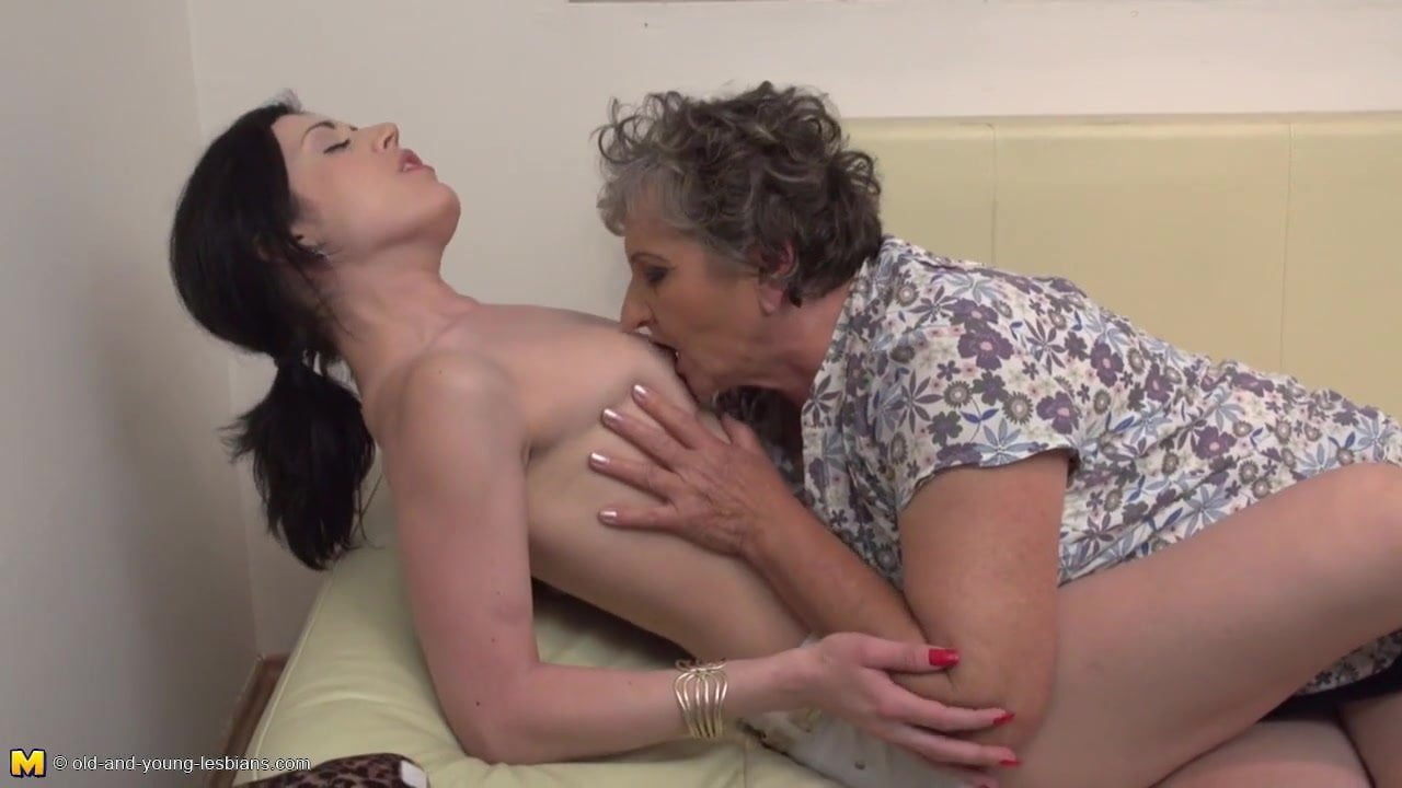 Lesbianx sexual Interracial