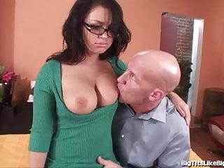 Porn Babe Eva Angelina Fucks A Big Cock