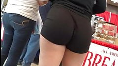 Candid booty1