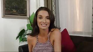PornFinder - La ardiente madrastra Silvia Saige