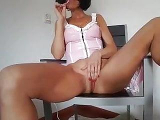 Dutch Mom Milf Lisa Masturbating
