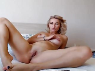 Super Hot Blonde Babe Fingering Her Juicy Pussy