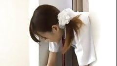 jeune japonaise bloquee ascenseur baisee levrette