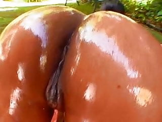 Edible Giant Black Greeze Butts