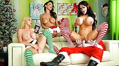 Spizoo - Jessica Jaymes, Nikki and Amy fucking Santa's dick