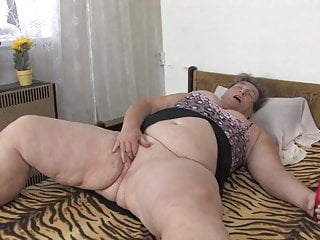 Download video bokep OldNanny chubby granny masturbating with dildo her pussy Mp4 terbaru