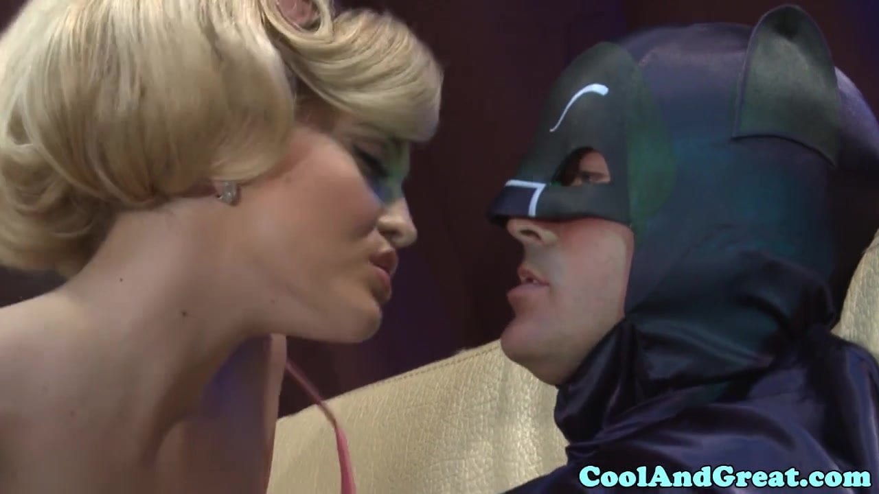 Batman Porno batman gets sucked offalexis texas