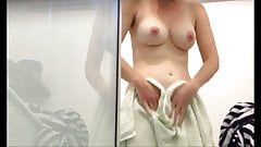 Hidden camera Bouncing tits dry