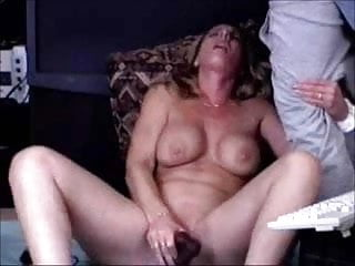 I'm cumming, please cum on me