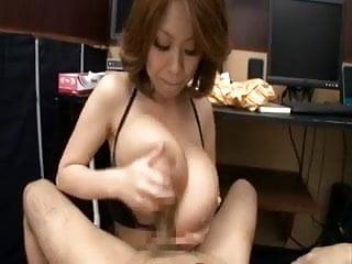 Download video bokep Rin Kajika Makes A Guy Cum Between Her Tits Mp4 terbaru