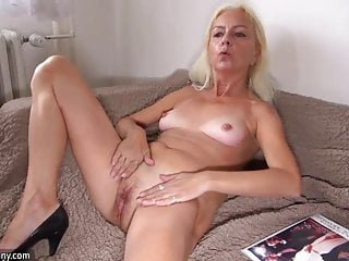 Xxx grannies bbw licking pussy - Oldnanny old lady licking pussy of a pretty girl