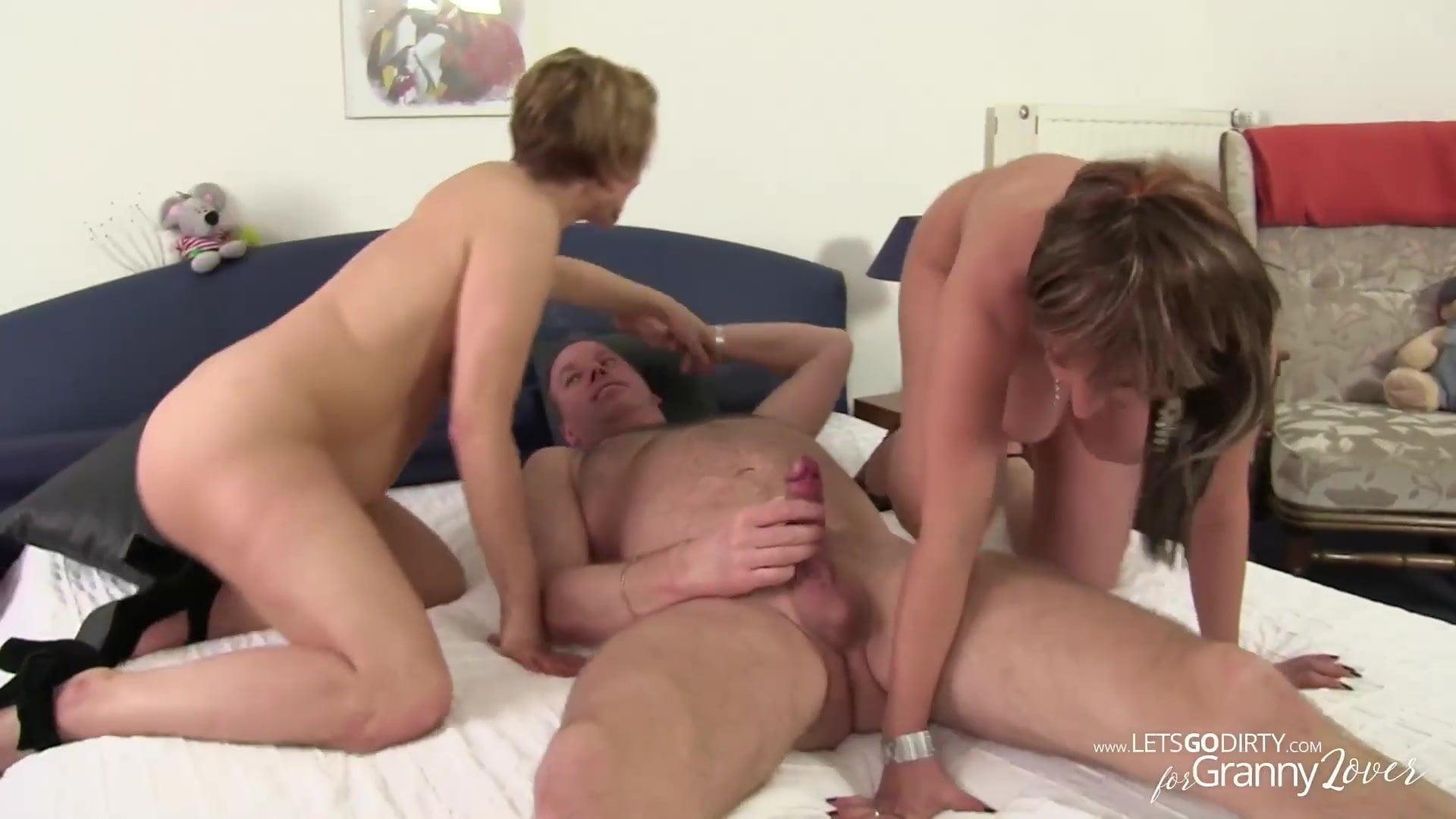 Nude amateur boudoir