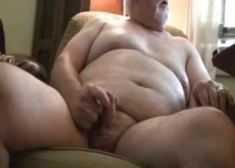 Толстый мужик дрочит и онанирует свой анус онлайн, просмотр порно видео кончил девушке и вылизал сперму россия