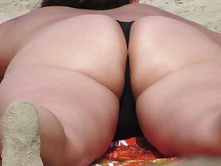 Spy big big butt on the beach