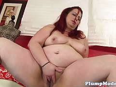 Toy loving bbw pleasures herself