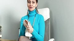 Miss Blue in her Blue stockings's Thumb