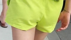 candid teen booty (quick)