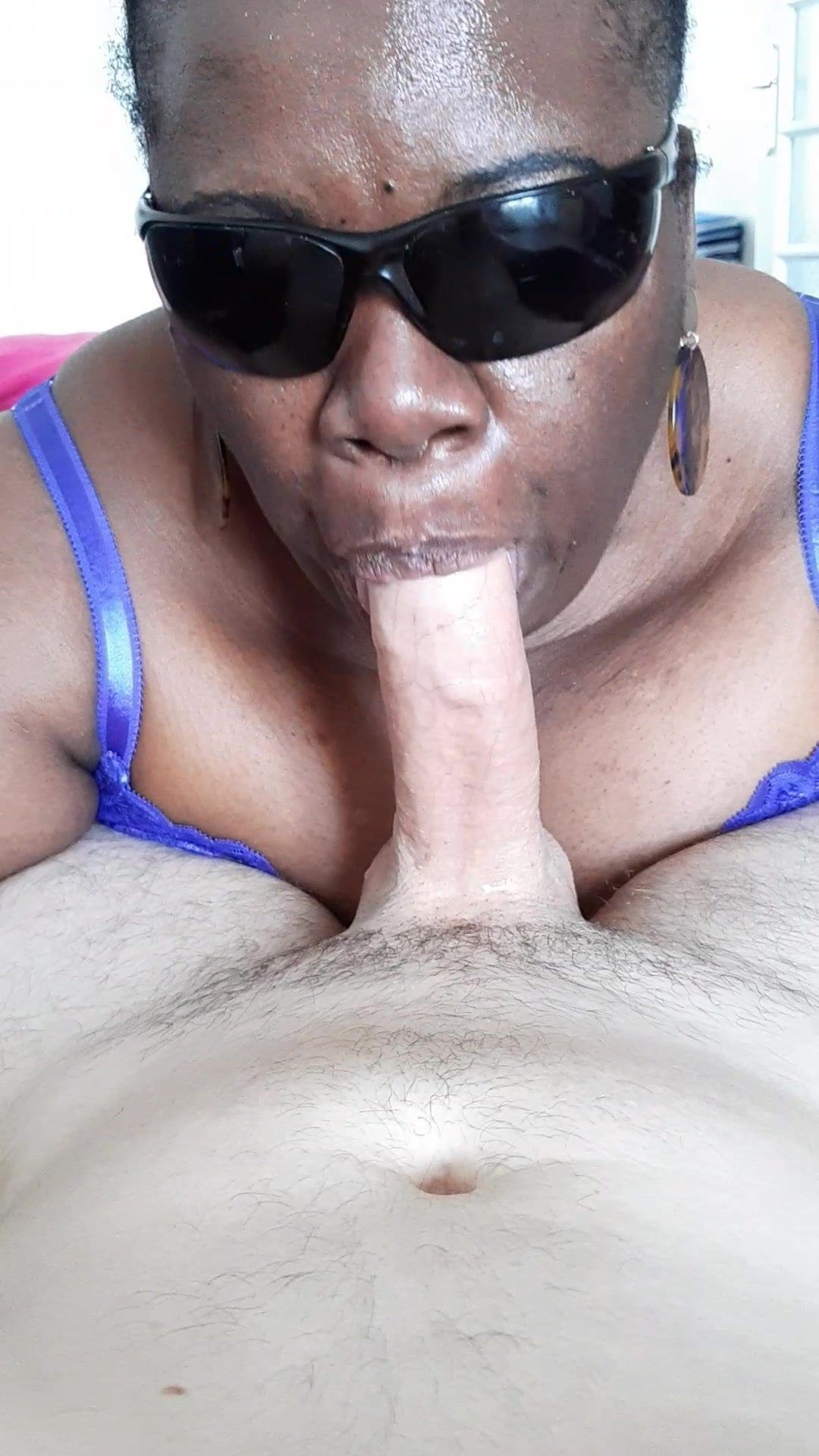 Coed deep throat and hard fuck 90%