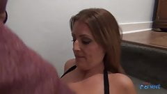 Missy Kink - The bar Pull