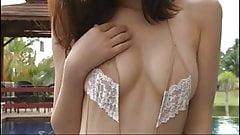 Noriko Kijima in Swimpool - non nude