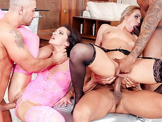 SLAM US - European babes ass drilled in orgy