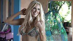 Lana's Ravishing Bikini Photoshoot