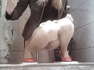 hidden cam in toilet