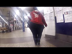Massive Elephant Candid Donk Booty Walking in Subway