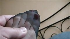Hawt aged feet in nylons