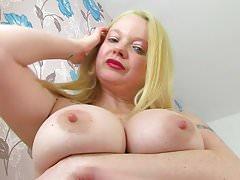 English milf Summer Angel Lee revs up her massager