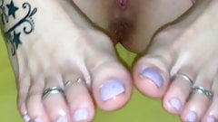 Amateur footjob with happy ending