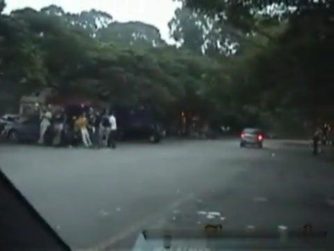 Brazilian girls give strangers handjobs outside of car