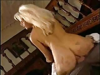Nikki Anderson anal su per il culo bionda duro e succhia sborra troia takes hard cock in the ass all