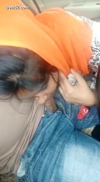Desi bhabi hang out & blowjob bf when hubby on work