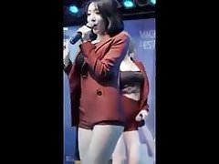 Hot sexy Korean girl sexy Twerking Amazing ass dancing