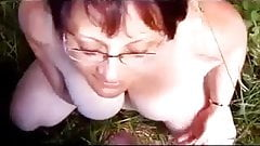 Collared wife takes daytime outdoor facial!