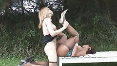Brunette in pantyhose gets slammed by blonde shemale (Tu22)