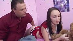 Razz- padre seduce la figlia porcellina