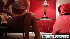 Summer Brielle masturbates in bed