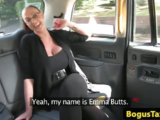 Video bokep online Busty taxi milf creampied closeup in pussy 3gp