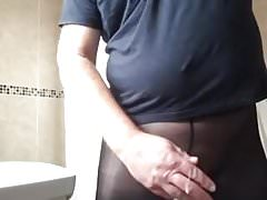 Wanking in tights