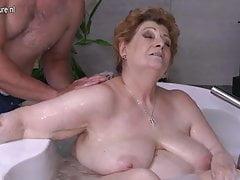 Mature BBW mom fucking son in bath